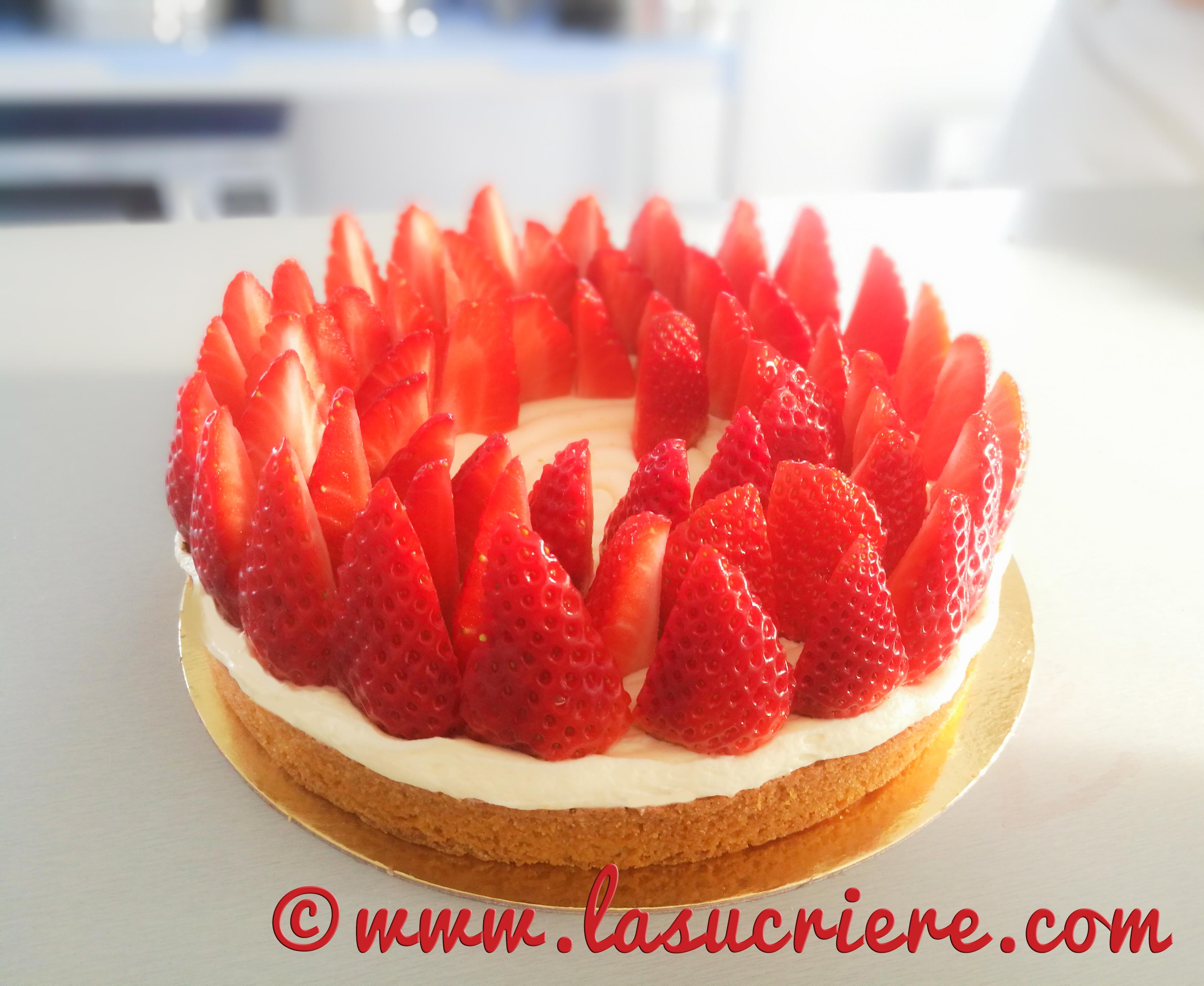Tarte aux fraises crème mousseline sur un sablé Breton